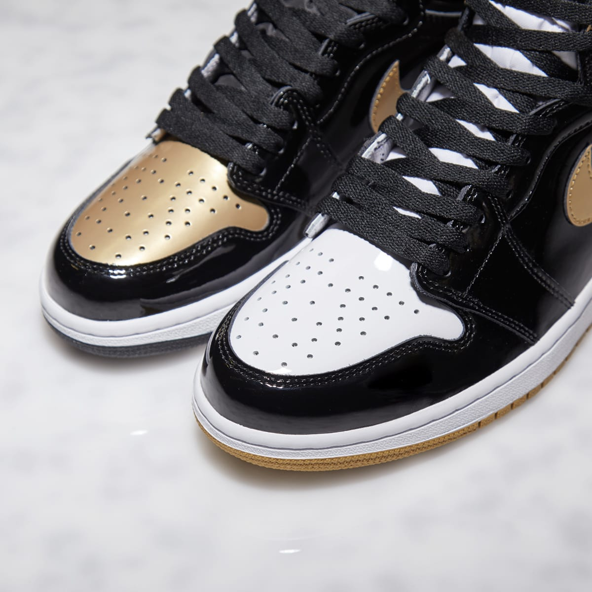 the best attitude 021cd 781de Nike Air Jordan 1 Retro High OG Energy 'Gold Top 3' (Black ...
