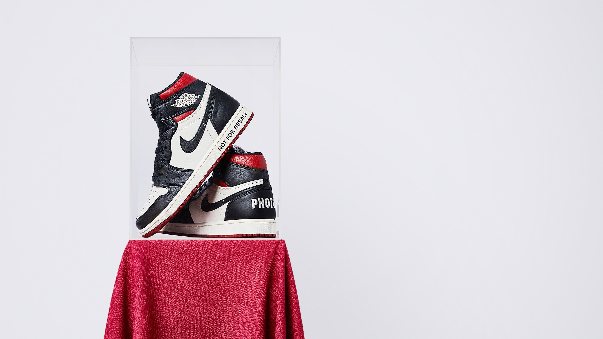 fd8d6b4200e Arriving in it s OG colourway – the Air Jordan 1 Retro High takes centre  stage in this exclusive  Not For Resale  release.
