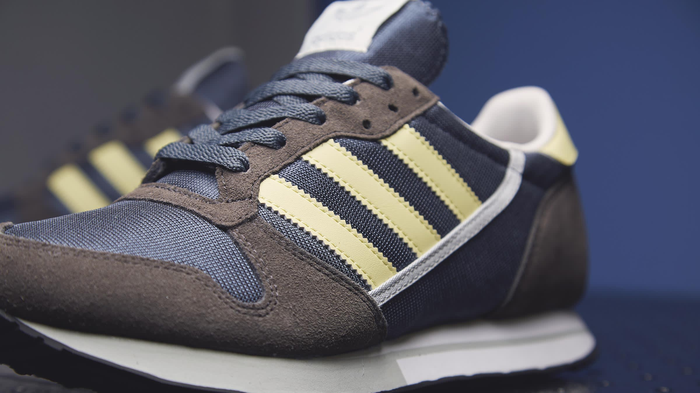 bdbbceae1 A one-to-one reissue of the ZX 280  from the original colour-way to the  classic  80s details